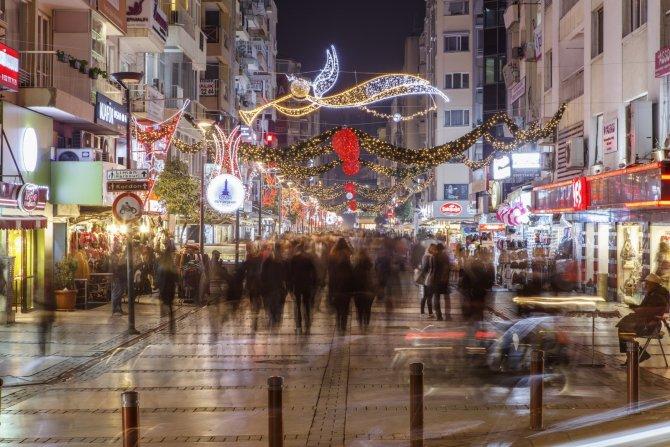 İzmir'de 2015'e ışıltılı veda
