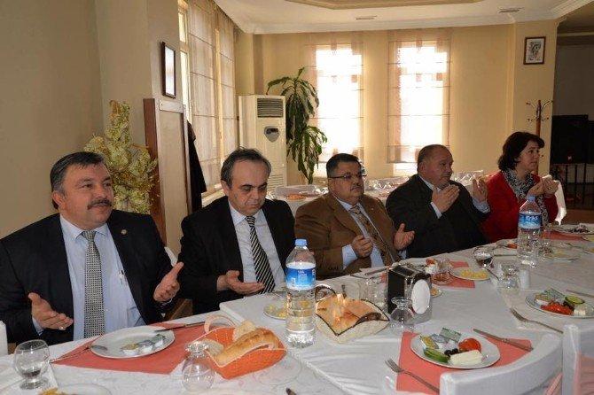 Rektör Özcan'a Veda Programı Düzenlendi