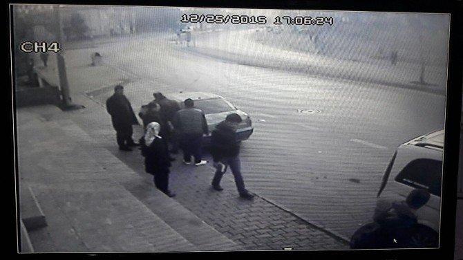 Güvenlik Kamerası Trafik Kazasını Saniye Saniye Görüntüledi