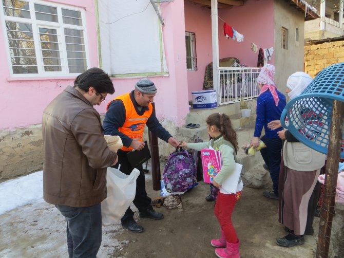 Kimse Yok Mu Derneği'nden Ercişli ailelere yardım