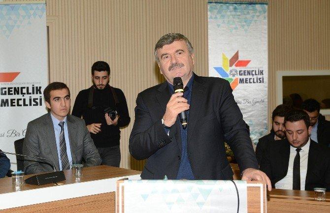 Gençler Büyük Türkiye Hedefine Katkı Yapıyor