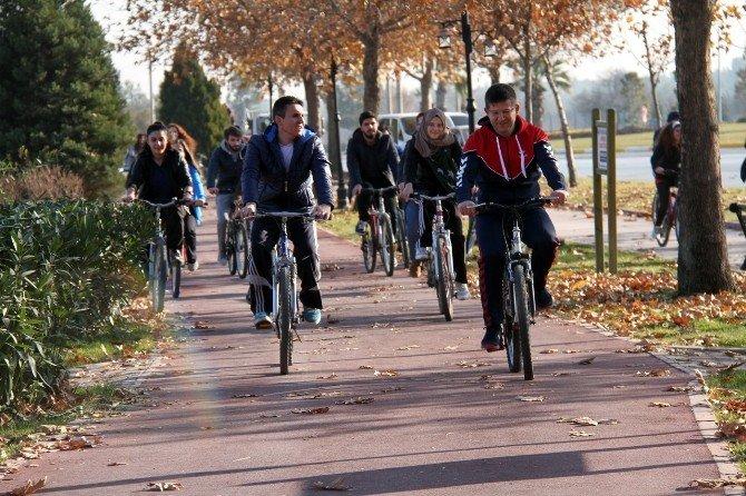 Başkan Subaşıoğlu Gençlerle Bisiklet Sürdü