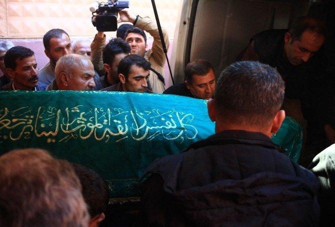 Mersin'deki Gösterilerde Ölen Gencin Cenazesi Adli Tıp'tan Alındı