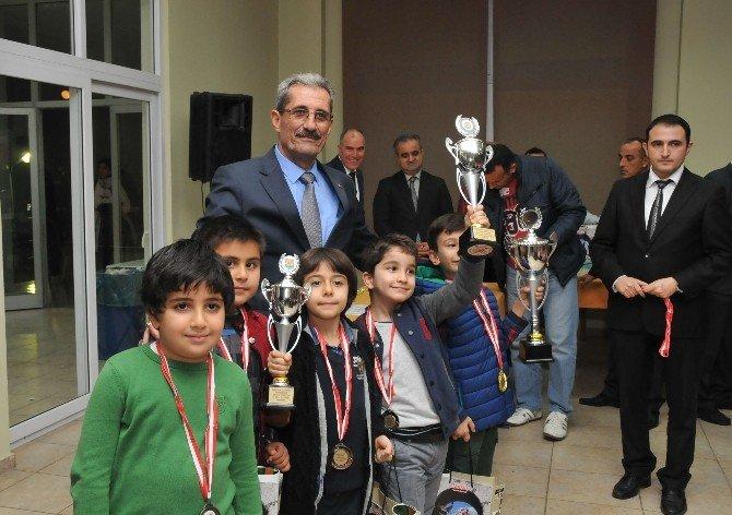 Tarsus'ta Kurtuluş Briç Ve Satranç Turnuvası
