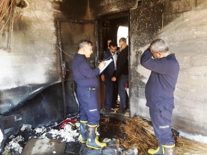 Yangın, 9 kişilik aileyi evsiz bıraktı