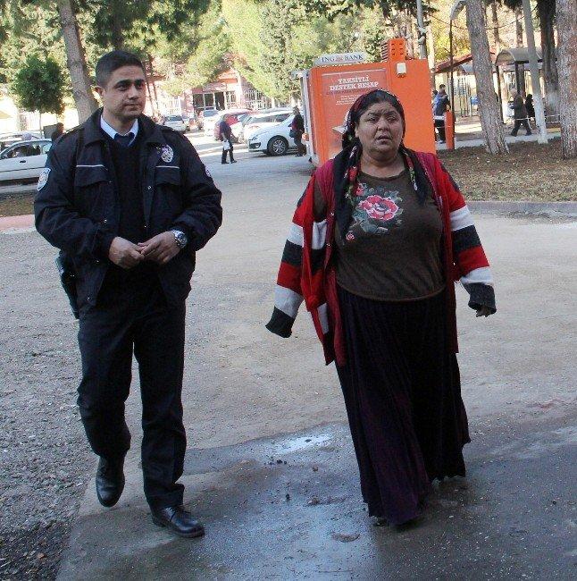 Eşi Tarafından Darp Edilen Kadın Polise Sığındı