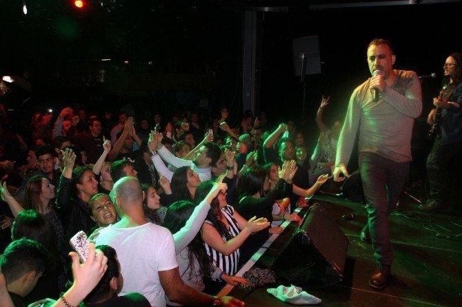 Haluk Levent'ten Anlamlı Konser