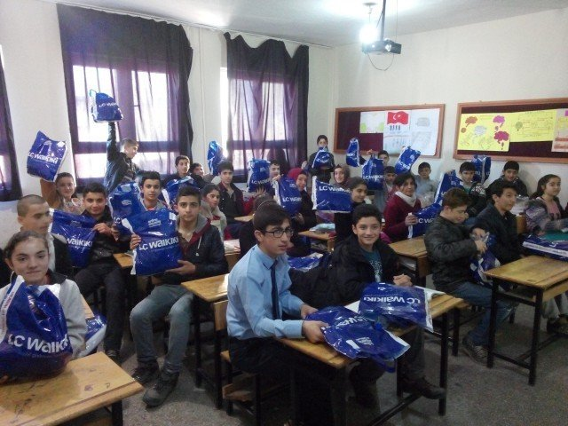 Fakir Ve Muhtaç Öğrencilere Kışlık Giyim Yardımı Yapıldı