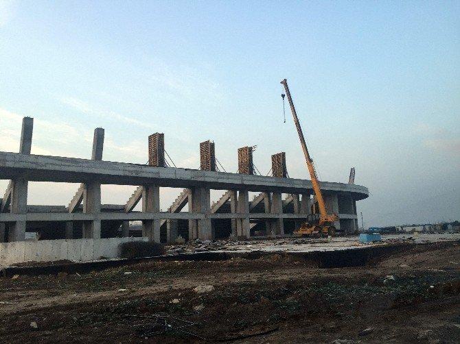 Akhisar Belediyesi Stadyum İnşaatı Sözleşmesini Feshetti