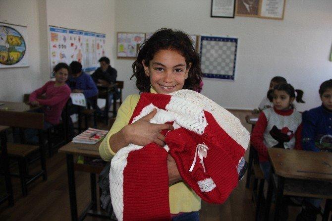 Suriyeli Çocuklara Giyim Yardımı