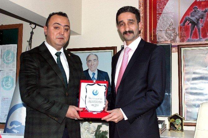 """Çetinkaya, """"Suriye Sorunu Ve Bölgedeki Türk Varlığı"""" Konferansına Katıldı"""
