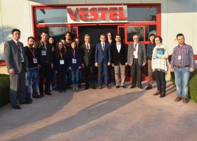 Yunusemre Belediyesi Ve CBÜ'lü Öğrencilerden Vestel'e Ziyaret