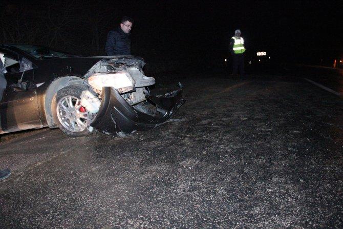 Ereğli'de kaygan yolda takla atan araçta 2 kişi yaralandı