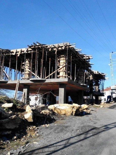 Aydınyayla Köy Konağı Hayırseverlerin Yardımını Bekliyor