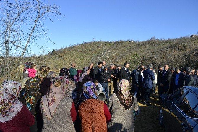 Alaplı 6 Kilometrelik Köy Yolunda Çalışmalar Devam Ediyor