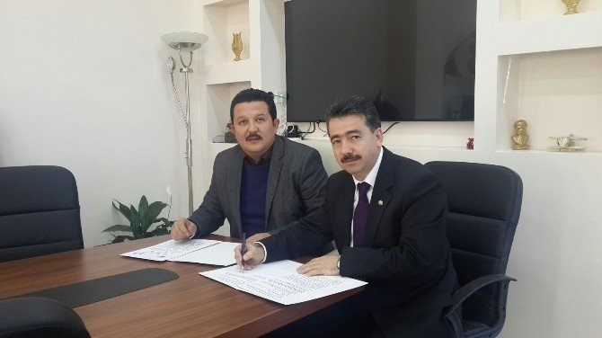 """Bem-bir-sen İle Mihalıççık Belediyesi Arasında """"Sosyal Denge Tazminatı"""" Sözleşmesi İmzalandı"""