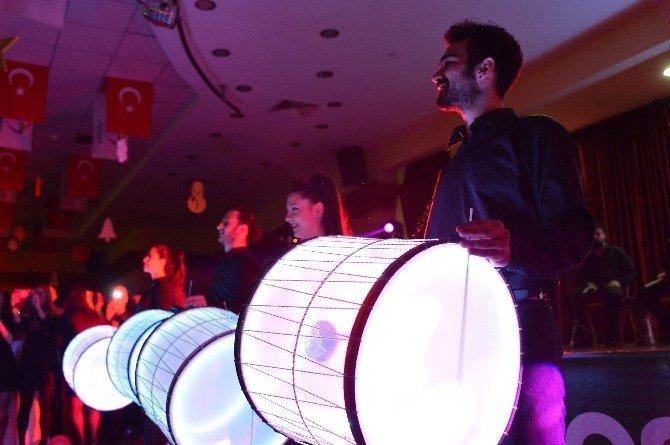 Beylikdüzü Belediyesi Personeli Yılbaşı Partisinde Doyasıya Eğlendi