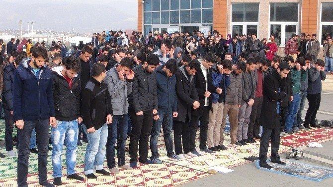Öğrenciler ODTÜ'deki Saldırıları Kınadı