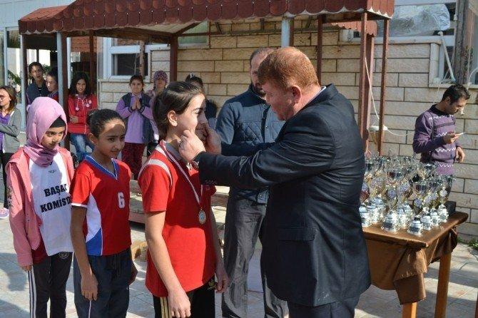 Bozyazı'da Öğrenciler Atatürk İçin Koştu