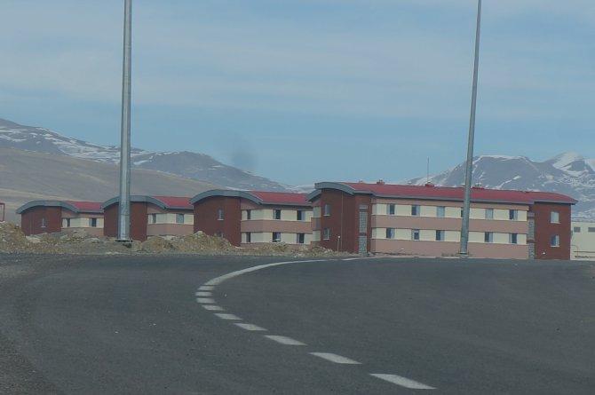 Erzurum'da sığınmacılar isyan etti