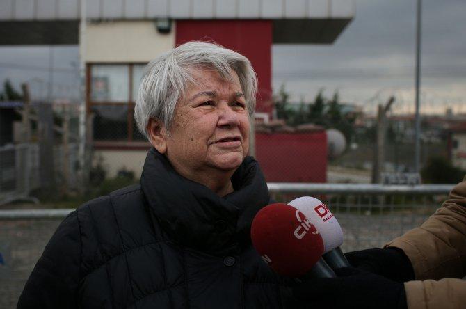 Can Dündar'ın annesi: Oğlumla gurur duyuyorum