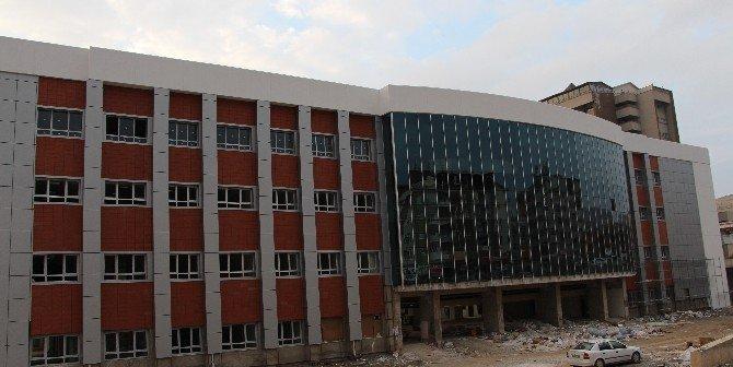 FÜ Hastanesi'ndeki Yeni Poliklinik Bölgenin 20 Yıllık İhtiyacını Karşılayacak