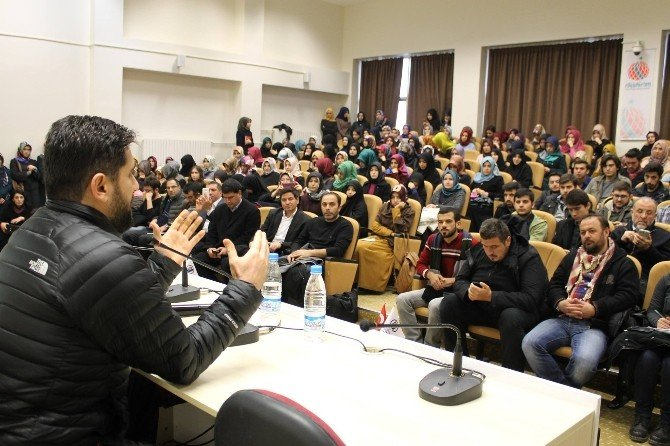 Gazeteci Adem Özköse ESOGÜ'de Öğrencilerle Buluştu