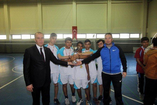 Gençlerde Badmintonun Şampiyonları Belli Oldu