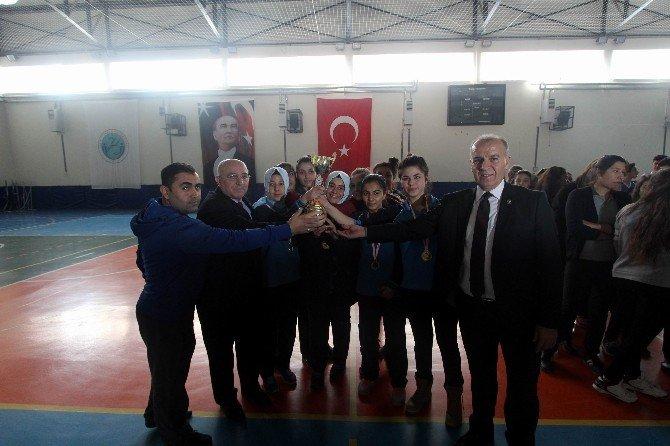 2015 Basketbol Genç Kızlar Ve Genç Erkekler İl Teşvik Turnuvası Yapıldı