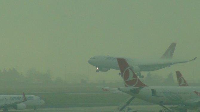 Atatürk Havalimanı'nda sis etkili oldu
