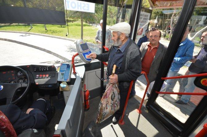 İzmir'de 60 Yaş Kartı vize işlemi kolayaştı