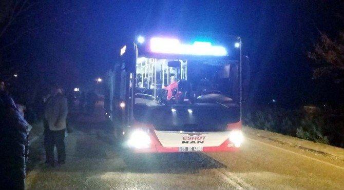Foça'da Halk Otobüsü 14 Yaşındaki Gence Çarptı