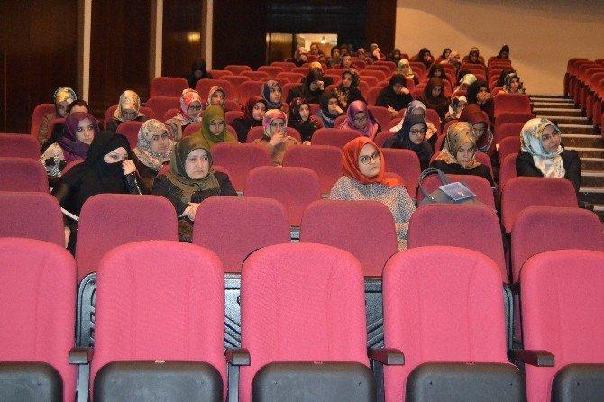ERÜ Genç Ortam Kulübünden 'Yüreklerin Fethi' Konulu Program