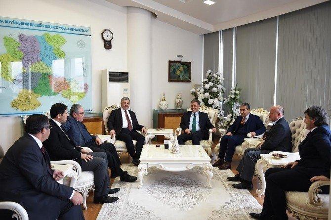 Kayseri Büyükşehir Belediye Başkanı Çelik, Başkan Çakır'ı Ziyaret Etti