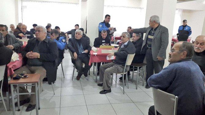 Toplum Destekli Polislik'ten emeklilere telefon dolandırıcılığı semineri