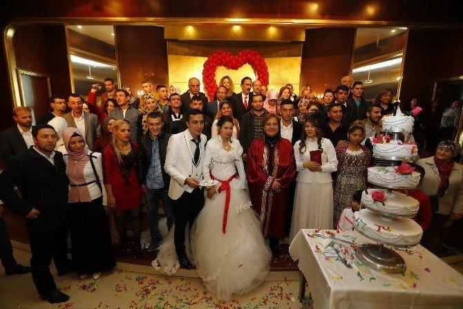 Yeni Yıla Evli Girdiler