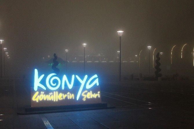 Konya'da Yoğun Sis Etkili Oldu
