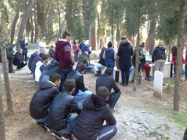 Burhaniye'de Liseli Yiğit İçin Pilav Hayrı