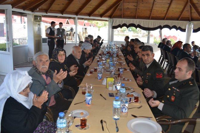 Garnizon Komutanı Sungur: Şehit aileleri ve gaziler bizim baş tacımızdır
