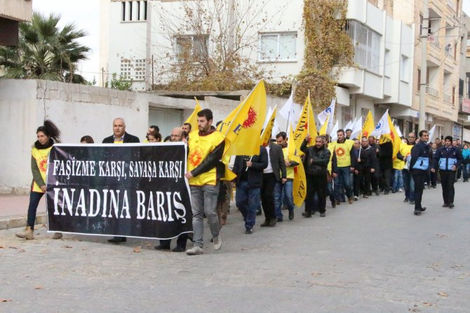 Nusaybin'de 'Savaşa Hayır' yürüyüşü