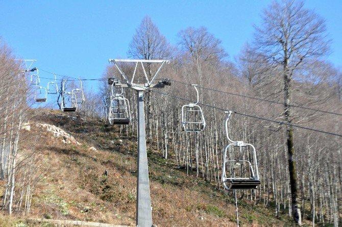 Kartepe Kayak Merkezi Kar Yağışını Bekliyor