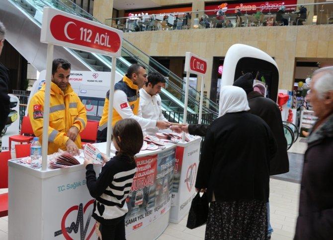 Nevşehir'de 'Yaşama Yol Ver' standı açıldı