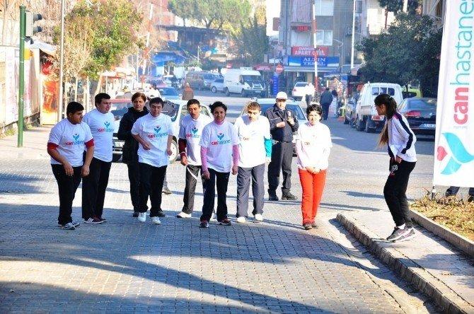 Öğrenciler Atatürk İçin Koştu
