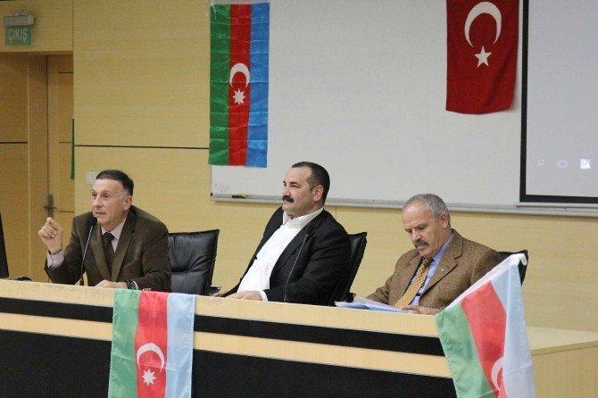 """SAÜ'de """"Dünya Azerbaycanlılar Dayanışma Günü"""" İsimli Bir Etkinlik Düzenlendi"""