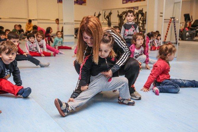 Minikler Şehitkamil'de Spor Yapıyor
