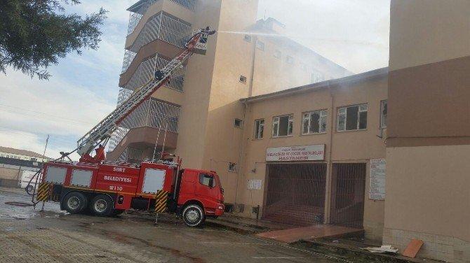 Eski Hastane Binası Bir Kez Daha Ateşe Verildi