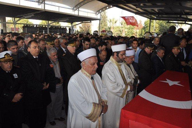 İzmir Şehidini Son Yolculuğuna Uğurladı