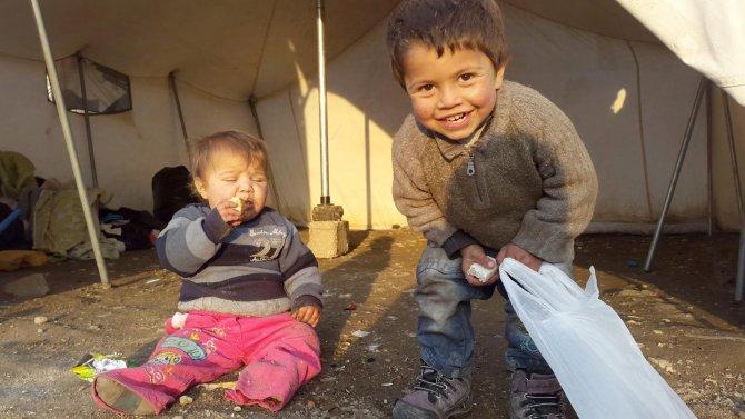 Suriyeli aile, Van'da kaldıkları çadırda yaşam mücadelesi veriyor