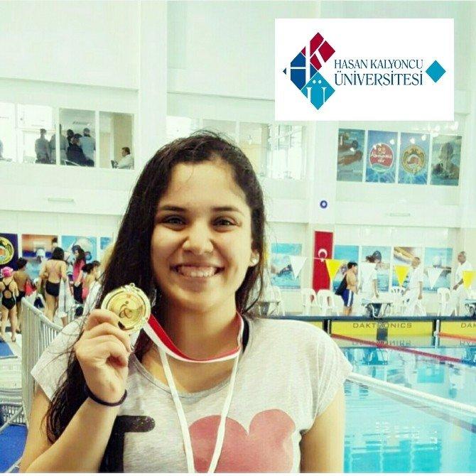 Yüzmede HKÜ Başarısı