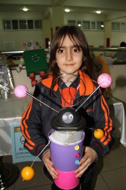 Vanlı Öğrenciler İlk Robotlarını Yaptılar